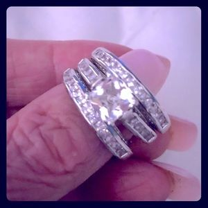 - A Beautiful 3 Piece Ring Wedding set in S9…